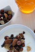 Yogurt with muesli and nuts — 图库照片