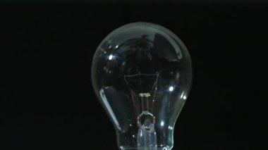 включение лампочки — Стоковое видео