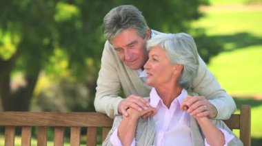 Elderly couple talking — Stock Video