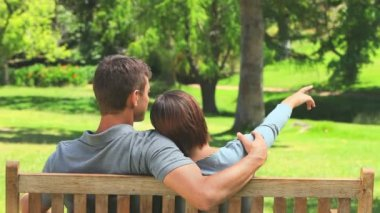 Young couple talking outdoors — Stock Video