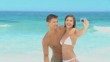 Sweet couple taking pictures and having fun — Stock Video
