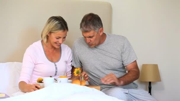 Видео муж с женой в постели фото 633-227