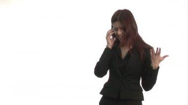 Kvinnan hävdade på mobil — Stockvideo