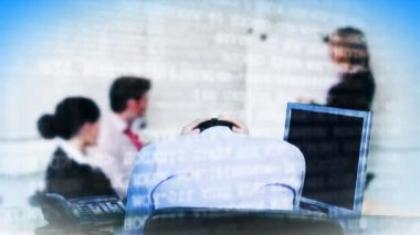 разочарованный деловой человек на заседании — Стоковое видео