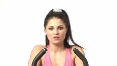 Mujer hacer ejercicio en el gimnasio — Vídeo de stock