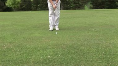 Man Playing Golf — Stock Video
