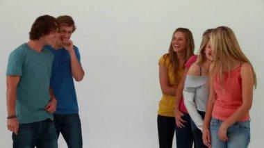 Girls sending air kisses to friends — Stock Video
