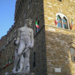 Statue on the Fountain of Neptune on the Piazza della Signoria in Florence, Italy, Europe — Stock Photo