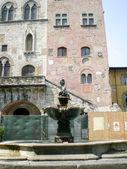 Prato (Tuscany, Italy), ancient fountain in Piazza del Comune — ストック写真
