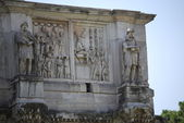 Arch of Constantine in Rome next Coliseum — Stock Photo