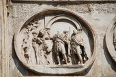 Arco de Constantino no próximo Coliseu de Roma — Fotografia Stock