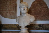 Inside one of the rooms of the Capitoline Museums in Rome — Stockfoto