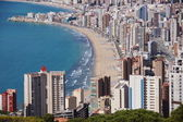 Benidorm, playa levante y pueblo antiguo — Stock Photo