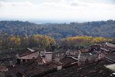 Valverde, tejados, bosque y nubes — Stock Photo