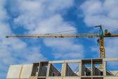 Jeřáb a stavební místo — Stock fotografie