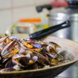 Stir fried sea mussels — Stock Photo