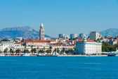 Skyline of Split downtown from the open sea — Foto de Stock