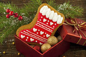 Sweet christmas gingerbreads and christmas decoration — 图库照片