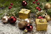 Christmas still life with gift box and decoration — Stockfoto