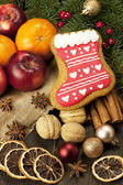 Christmas sweet gingerbread with spices and fruits — Foto de Stock