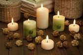 Spa kaarsen met gedroogde bloemen — Stockfoto