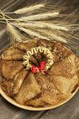 板上的传统俄罗斯煎饼 — 图库照片