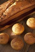 Tasty cake with raisins and walnuts — Stock Photo