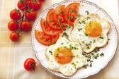 Breakfast with Fried eggы on plate — Zdjęcie stockowe