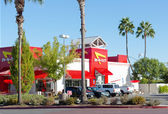 SACRAMENTO, USA - SEPTEMBER 23: In-n-out Burger restaurant on S — Stock Photo