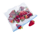Strawberry in clear plastic bag — 图库照片