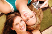 Best friends taking a photo of themselves — Stock Photo