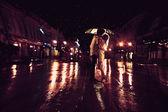 Amor bajo la lluvia — Foto de Stock