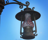 Lantern on the street its original form as an antique lamp. — Stock Photo