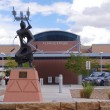 ALBUQUERQUE, NEW MEXICO, USA-OCT 5: The sculpture, ABSTRACT CROWN DANCER I, by Allan Houser Haozous is pictured outside Albuquerque International Airport on Oct 5, 2011. — Stock Photo