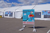 ALBUQUERQUE, NEW MEXICO, USA - OCTOBER 08: Free admission to the Balloon Discovery Center was an attraction at the 40th edition of the Albuquerque International Balloon Fiesta held in October 2011. — Stock Photo