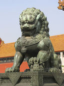Summer Palace Chinese bronze lion — Stock Photo