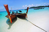 Boat and beach of THAILAND — Stock Photo