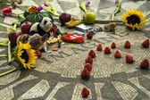 Strawberry Fields, John Lennon Memorial, Central Park, New York, USA — Stock Photo