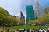 Bryant Park and buildings, New York City — Stock Photo