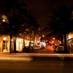 Ocean Drive scene at night lights, Miami beach, Florida, USA — Stock Photo