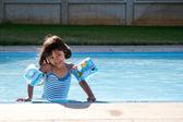 Testa vattentemperaturen — Stockfoto