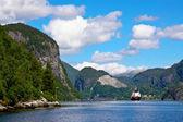 Plachtění v bergenu fjord — Stock fotografie