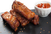 Barbecue pork ribs with sesame — Stock Photo