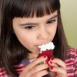 Delicious strawberry with cream — Stock Photo