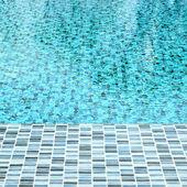 Water in het zwembad — Stockfoto