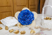 Bouquet and wedding accessories — Stock Photo