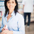 She is at the pharmacy. — Stock Photo