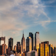 Manhattan skyline with Empire State Building — Stock Photo