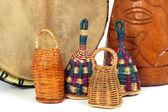 Caxixi abanadores e tambores africano djembe — Foto Stock