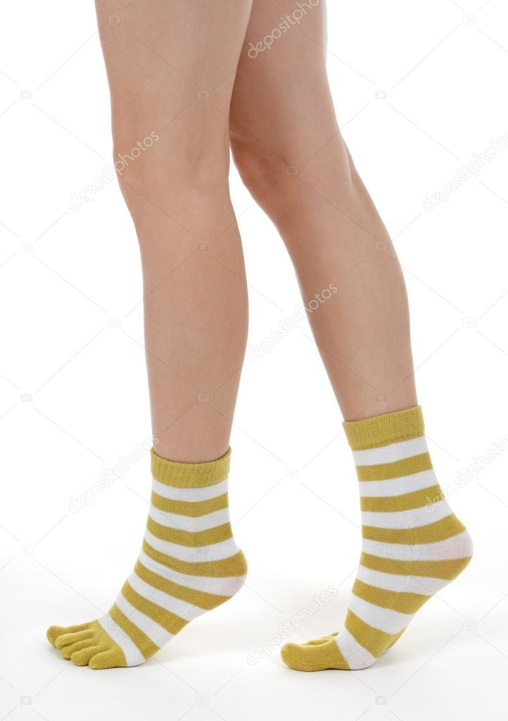 Красивые девушки в полосатых носках